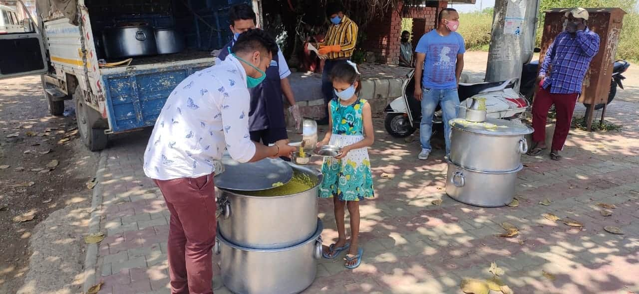 Food being distributed in Chandigarh