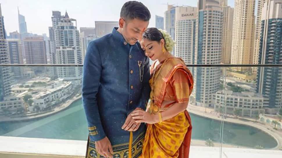 Marathi actress Sonalee Kulkarni introduces fiancé Kunal Benodekar, shares engagement pics!
