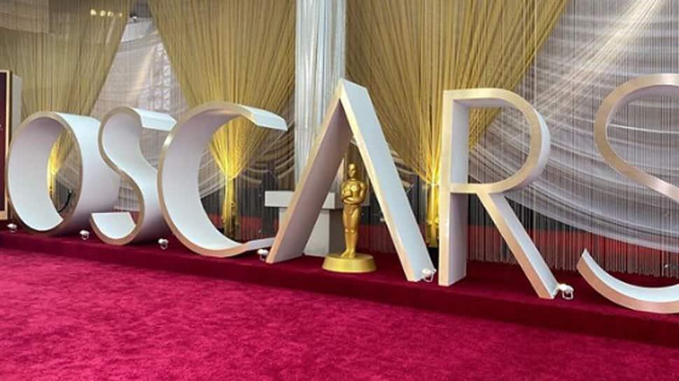 The Academy considers postponing Oscars 2021
