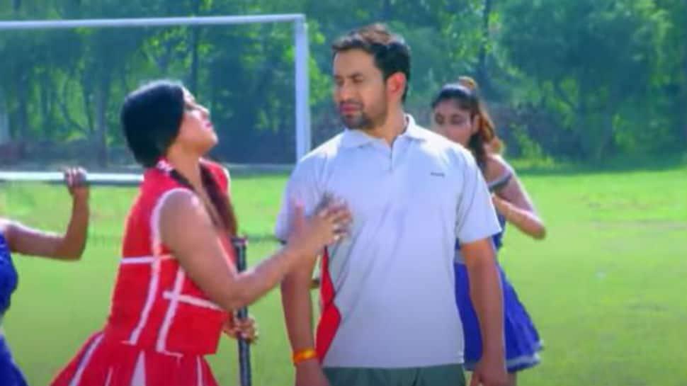 Bhojpuri sizzler Anjana Singh's old song 'Gol Maar Da Balam Ji' with Dinesh Lal Yadav 'Nirahua' drives YouTube crazy