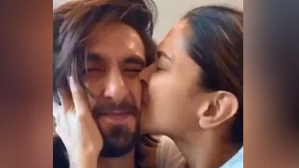 Deepika Padukone kisses 'cutie' Ranveer' Singh's 'squishable face', pic sends internet into meltdown