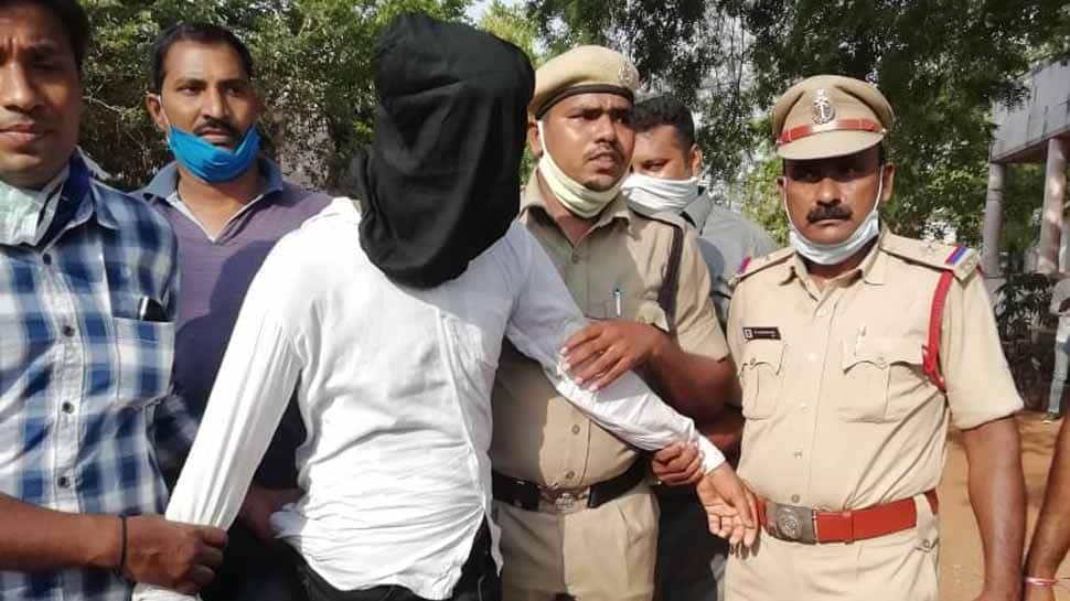 Warangal police arrest man for killing 10 people using powdered sleeping pills thumbnail