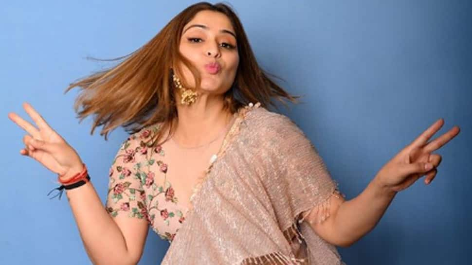 Former 'Bigg Boss 13' contestant Arti Singh's BTS video of what glam shoots look like give a sneak peek into her pre-lockdown life - Watch