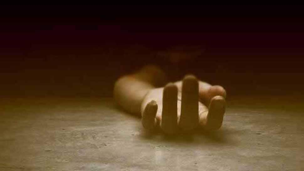 Wife immolates self after husband refuses to buy smart phone in Delhi