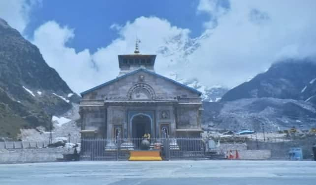 PM Modi reviews of Kedarnath reconstruction project, says it should stand test of time
