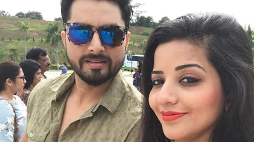 Monalisa urges everyone to be 'strong like waves', shares 'masked' pics with hubby Vikrant