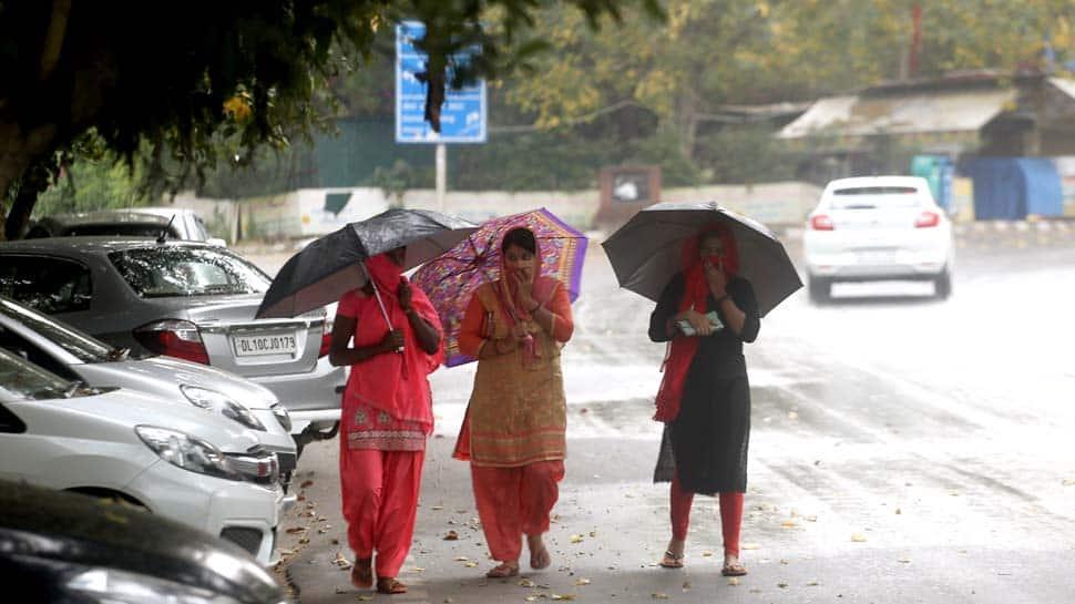 Light rains lash Delhi-NCR, monsoon likely to hit Delhi on June 25