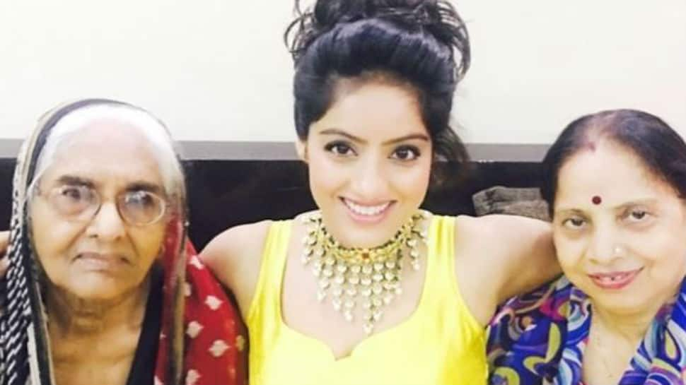 Actress Deepika Singh's mother recovers from coronavirus, grandmother still in hospital
