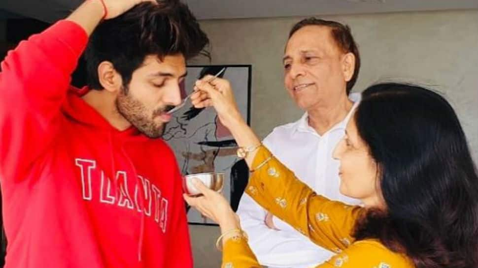 Here's how Kartik Aaryan geared up to watch PM Modi's address to nation