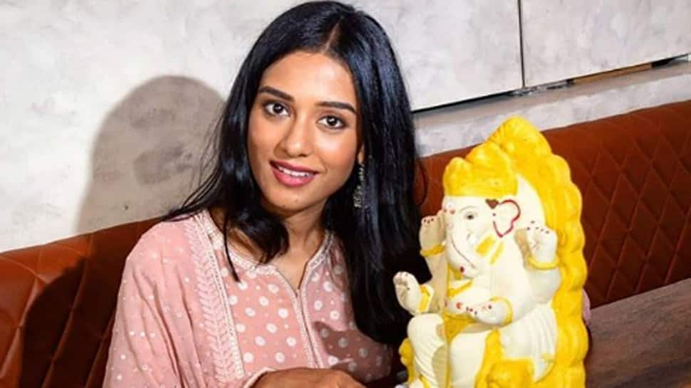 Amrita Rao roots for eco-conscious Ganesh Chaturthi celebration