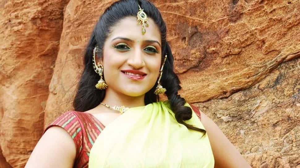 Kannada actress Rohini aka Rishika Singh injured in car crash