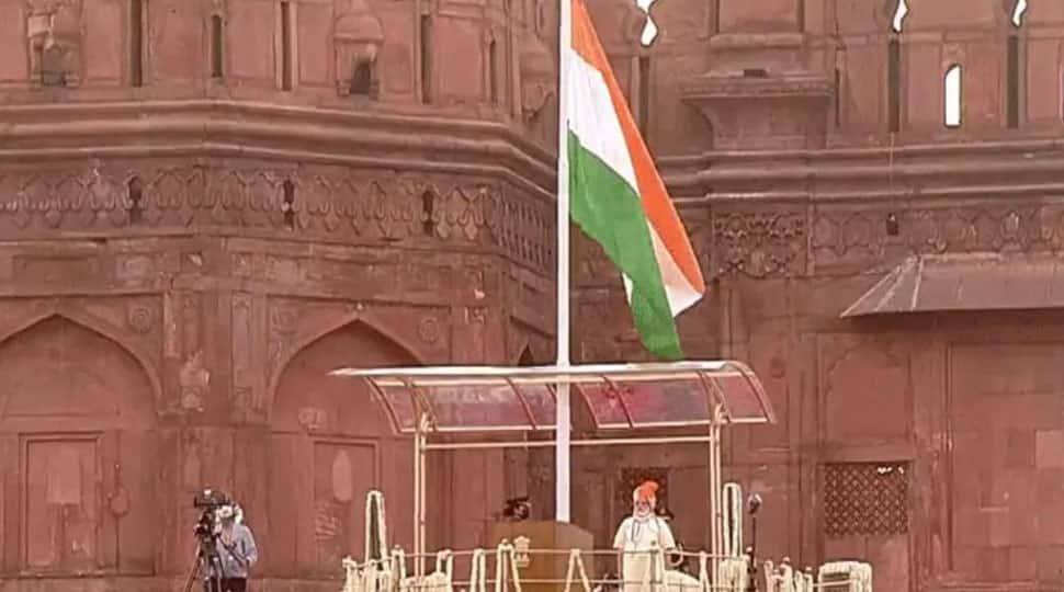 亡命中の東トルキスタン政府、サリフダヤル首相が独立記念日インドを望む