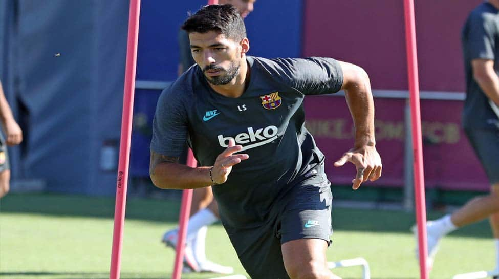 Barcelona's Luis Suarez named in Uruguay squad for FIFA World Cup qualifiers