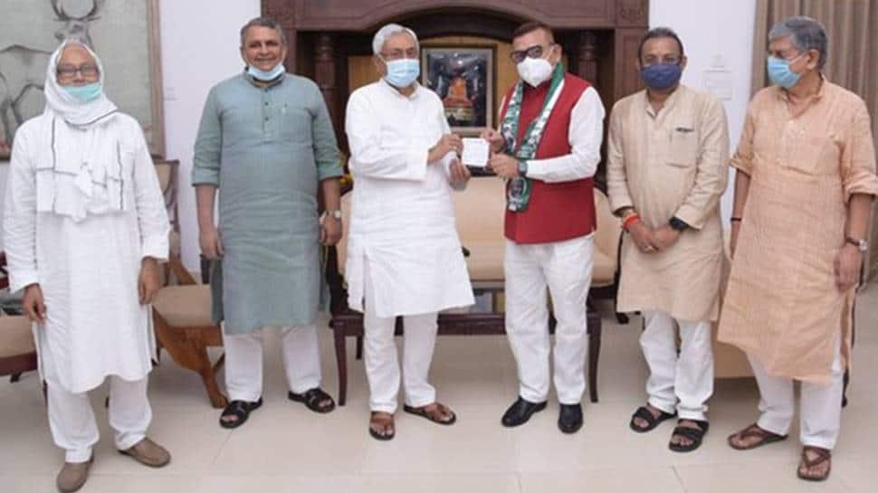 Former Bihar DGP Gupteshwar Pandey joins Nitish Kumar's JD(U) today
