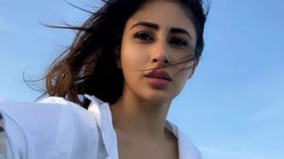 On a sunny Sunday, Mouni Roy sets the internet on fire with her pool pics