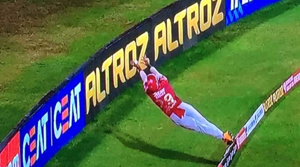 IPL 13, RR vs KXIP Match: Nicholas Pooran makes acrobatic save at boundary rope, draws applause from Sachin Tendulkar, Virender Sehwag - Watch video