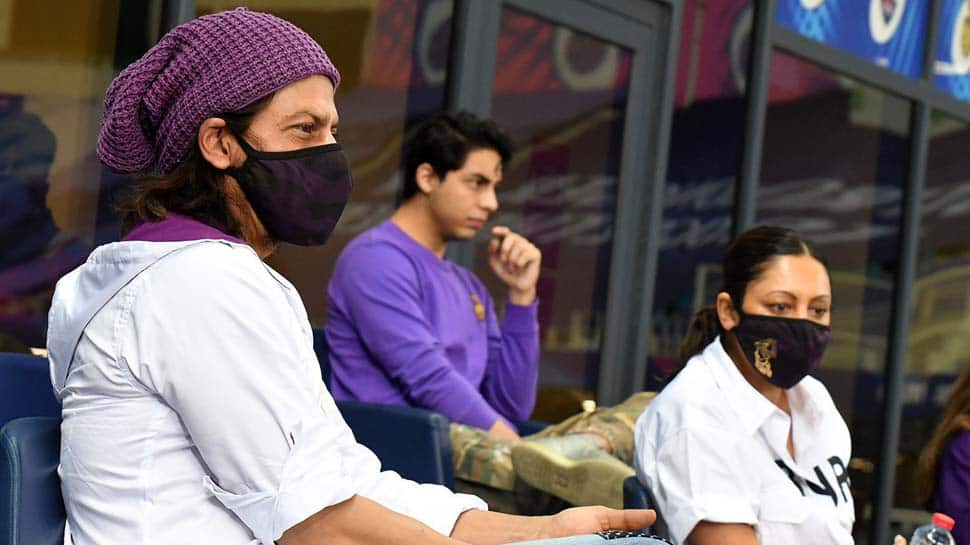 IPL 2020: Twitterati go crazy after spotting Shah Rukh Khan, Aryan during KKR vs RR match in Dubai
