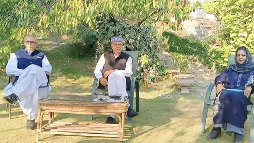 Farooq Abdullah named chairman of Peoples Alliance for Gupkar Declaration;  Mehbooba Mufti his deputy | Jammu and Kashmir News | Zee News