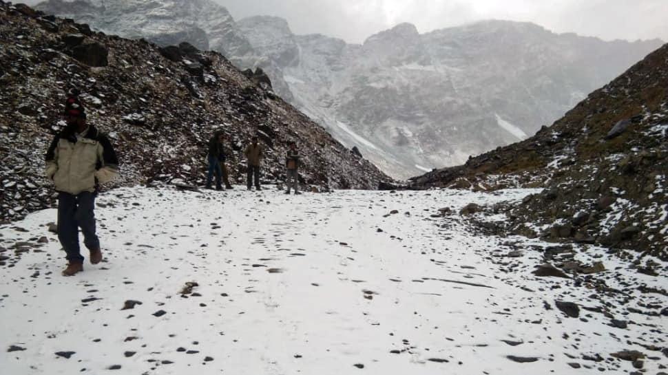 J&K, Ladakh witness season's first snowfall; see sharp drop in temperature