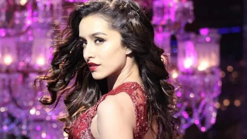 Shraddha Kapoor to play Naagin on-screen, trolls have a field day with hilarious memes