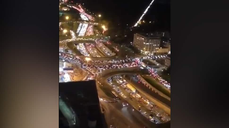 Paris Witnesses 700 Km Long Traffic Jam As Second Covid 19 Lockdown Begins In France World News Zee News