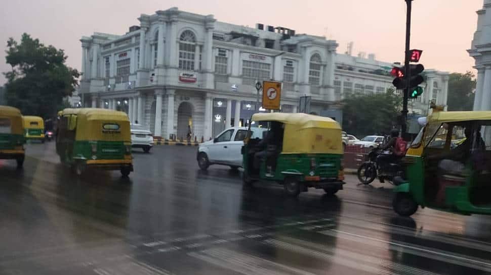 Light rains lash Delhi-NCR, provide temporary respite from air pollution