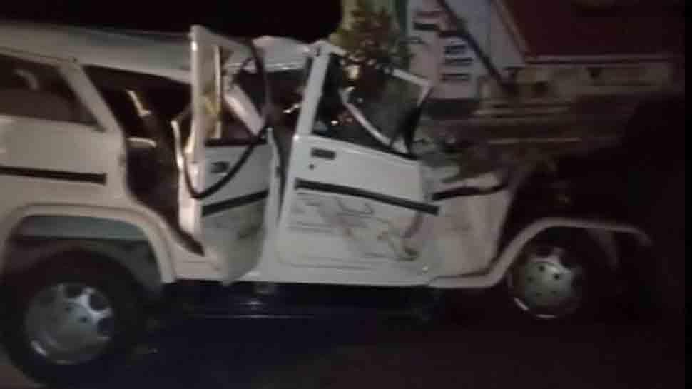 Major accident in Uttar Pradesh: 14 dead after car collides with truck in Pratapgarh