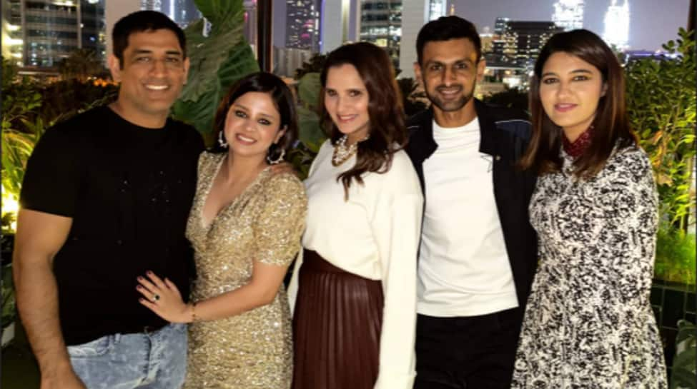 MS Dhoni celebrates wife Sakshi's 32nd birthday with Sania Mirza, Shoaib Malik in Dubai