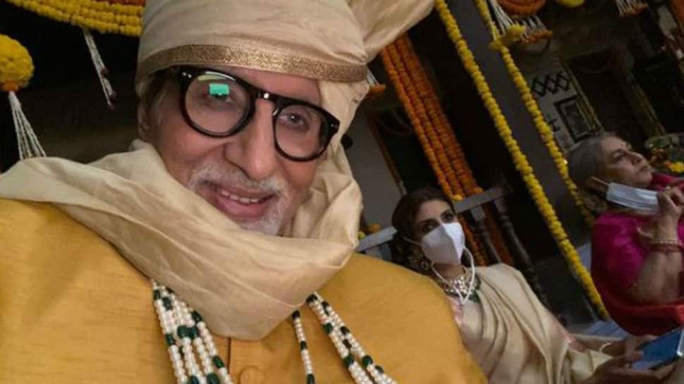 Amitabh Bachchan shares work selfie with family. Such a sweet pic!