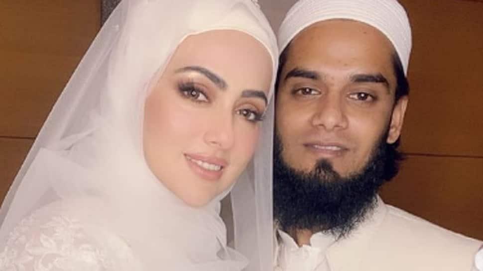 Bigg Boss fame Sana Khan calls 'halal love' beautiful, shares new viral wedding pics with hubby Mufti Anas Sayied!