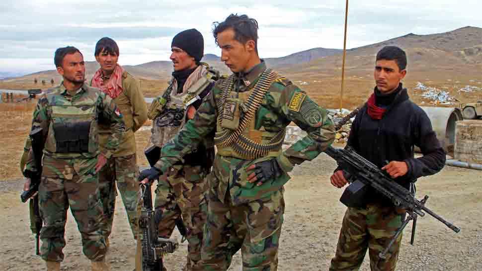 30 Afghan policemen killed in suicide car bombing