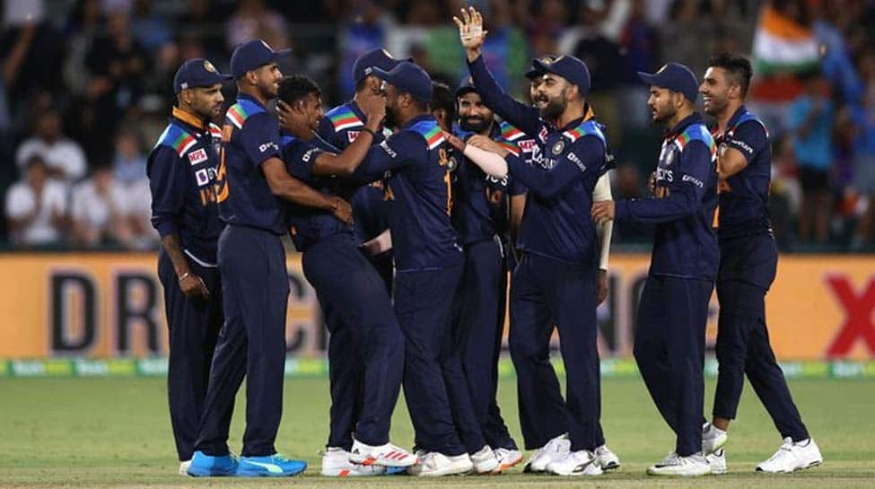 Concussion substitute Yuzvendra Chahal, debutant T Natarajan shine as India beat Australia in 1st T20I