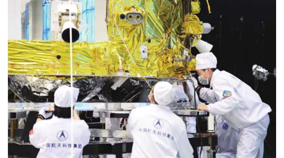 Chinese space probe Chang'e-5 brought 1,731 grams of lunar sample