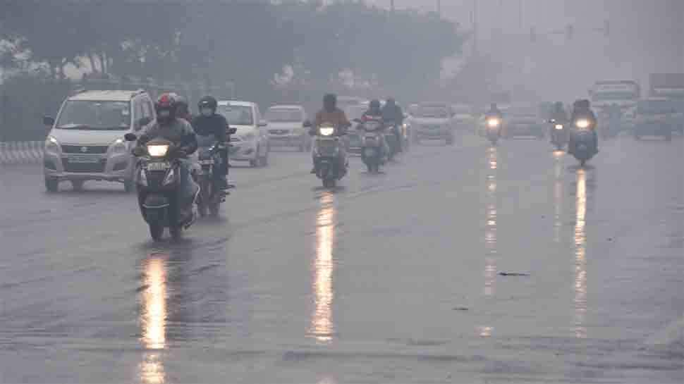 Rain, thunderstorms lash Delhi, flight operations likely to be affected