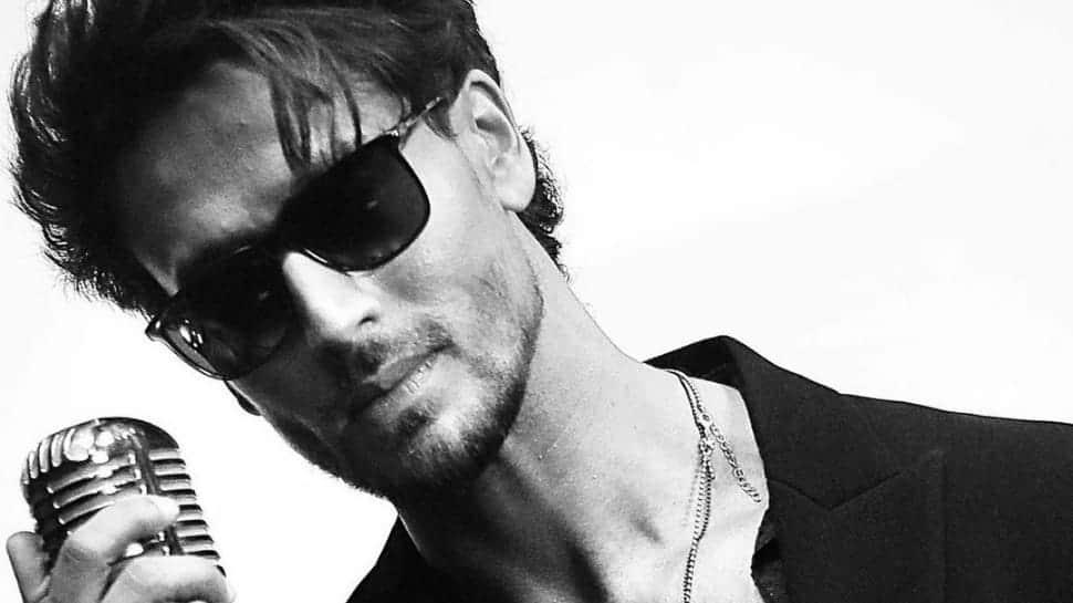 Tiger Shroff debuts on YouTube, releases new music video 'Casanova'