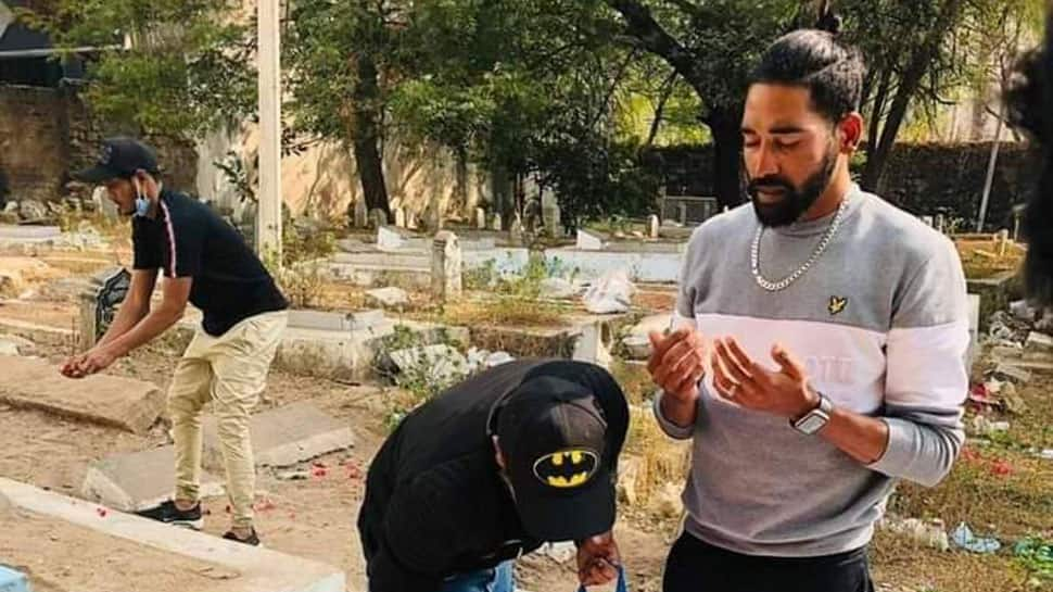 IND vs AUS: Mohammed Siraj drives straight to father's grave after landing in Hyderabad