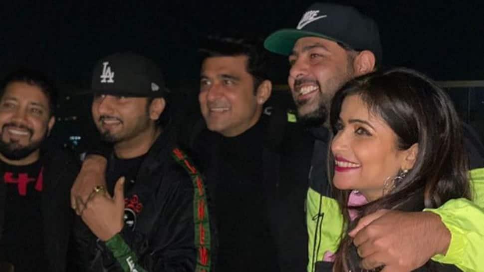 Yo Yo Honey Singh and rapper Badshah party together at this actor's birthday bash - Video alert!