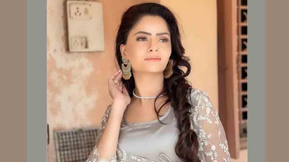 अभिनेत्री गेहना वशिष्ठ ने आरोप लगाया कि उनके साथ बलात्कार का आरोप लगाया गया, उन्हें यौन शोषण के लिए मजबूर किया गया