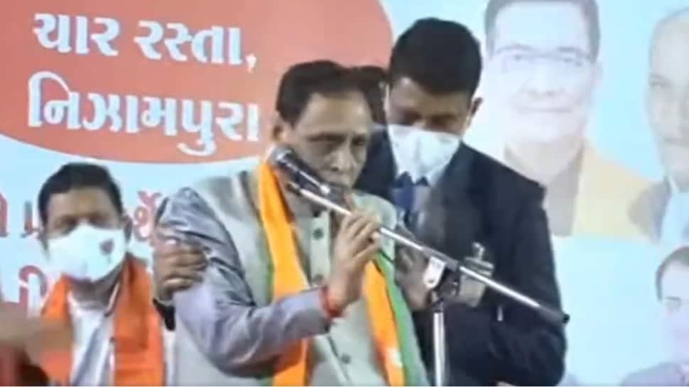 SHOCKING: Gujarat CM Vijay Rupani collapses on stage, Vadodara BJP leaders were present