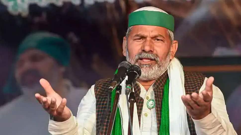 Rakesh Tikait addresses 'kisan mahapanchayat', urges farmers to throw 'king of looters' out of Delhi, top highlights