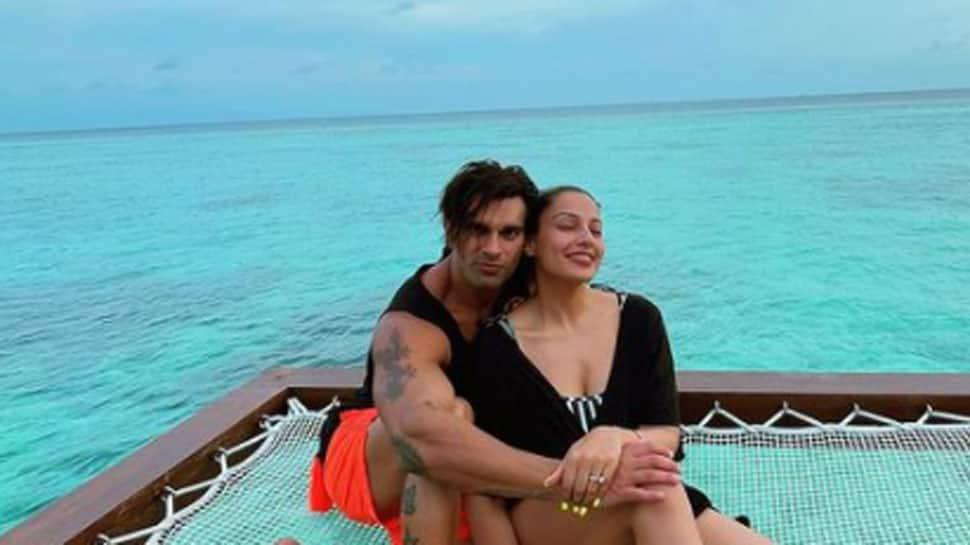 Bipasha Basu sizzles in a monokini, celebrates hubby Karan Singh Grover`s birthday in Maldives! - Zee News