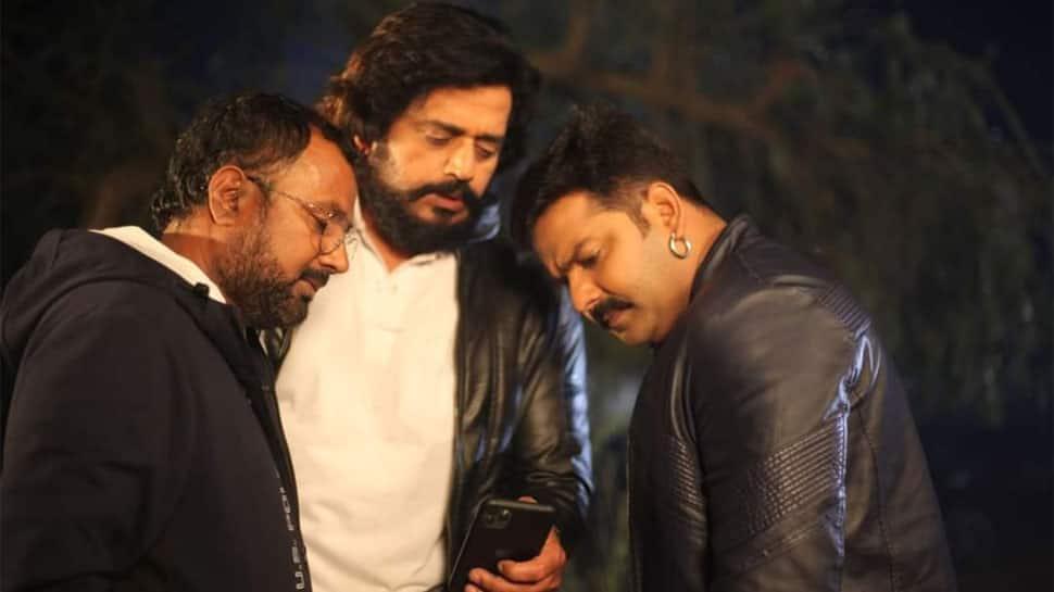 Bhojpuri power stars Pawan Singh and Ravi Kishan to share screen space in mega-budget 'Mera Bharat Mahan'