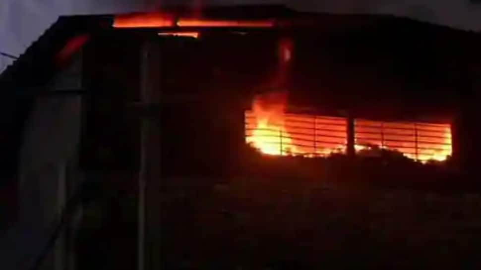 Massive fire breaks out at factory in Delhi, one dead