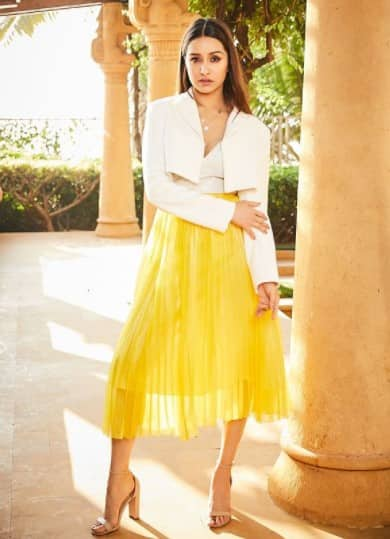 Shraddha looks like a sunshine in this white and yellow outfit