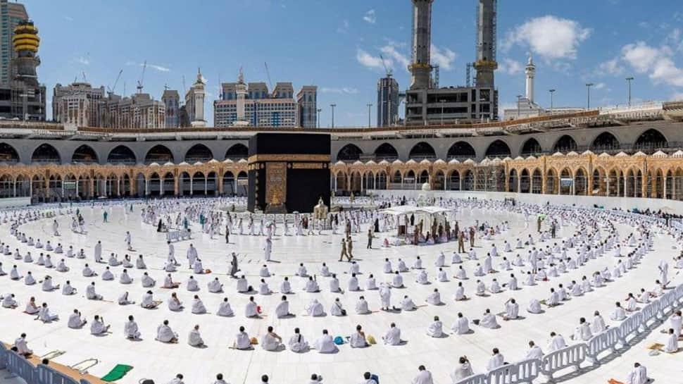 Saudi Arabia makes COVID vaccine mandatory for Haj pilgrims
