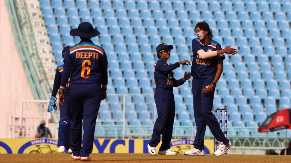 India women vs SA women 2nd ODI: Jhulan Goswami takes four to bundle out visitors for 157