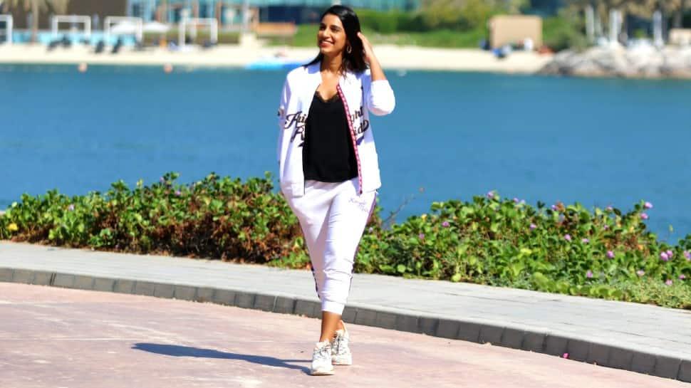 Sanjana Ganesan`s old tweet on rumoured fiancee Jasprit Bumrah goes viral - Zee News