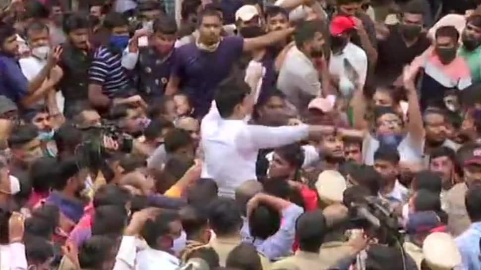 Students hit streets as Maharashtra government postpones MPSC exams