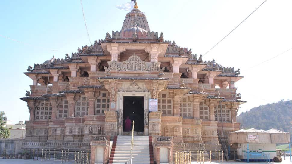 No short dresses please! Gujarat's Shamlaji temple bars devotees wearing Bermudas, makes face masks mandatory