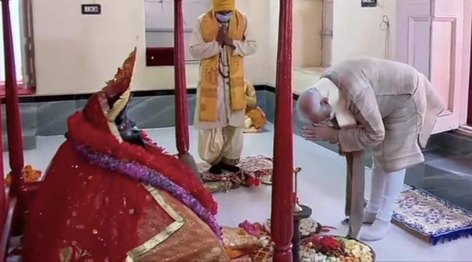 Prime Minister Narendra Modi offers prayers at the Jeshoreshwari Kali temple in Bangladesh